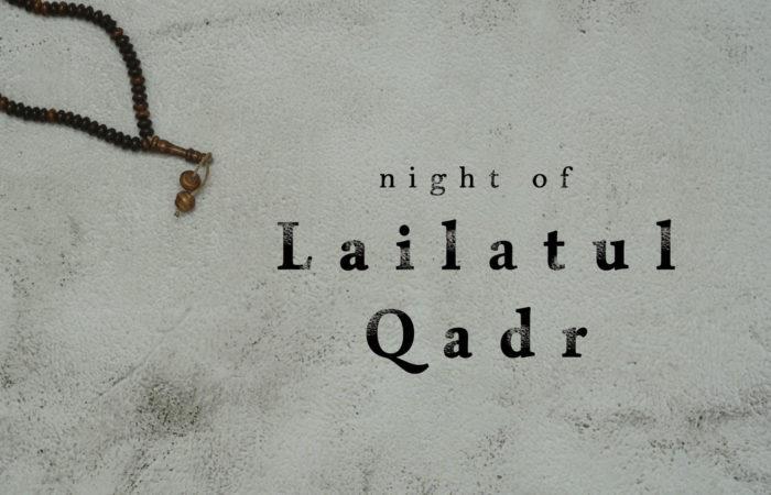 Die Nacht der Bestimmung: Der Fastenmonat Ramadan neigt sich auch in diesem Jahr wieder dem Ende zu. In diesem Jahr ist der letzte Fastentag der 12. Mai. Die letzten zehn Tage in diesem heiligen Monat haben im Islam eine nochmals überhöhte Bedeutung. Denn in diesem Endspurt gibt es die geheime Nacht, die so viel Wert ist wie 80 Jahre. Die Rede ist von der Nacht der Bestimmung – (arab. Leilat al-Qadr).